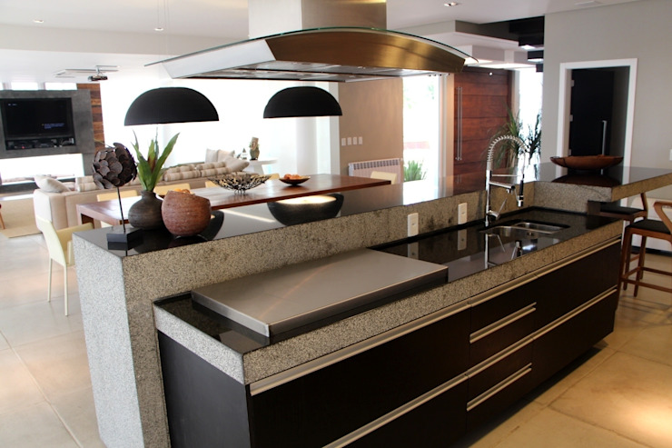 Modern Kitchen by Arq. Leonardo Silva Modern