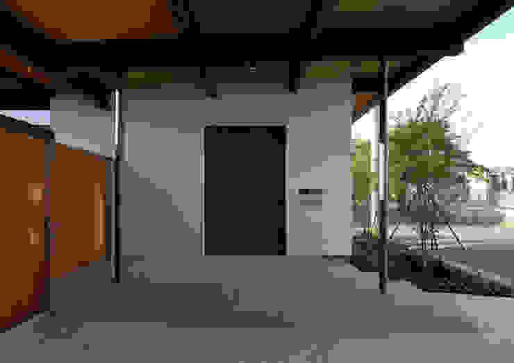 諏訪の住宅 モダンな 家 の 井上洋介建築研究所 モダン