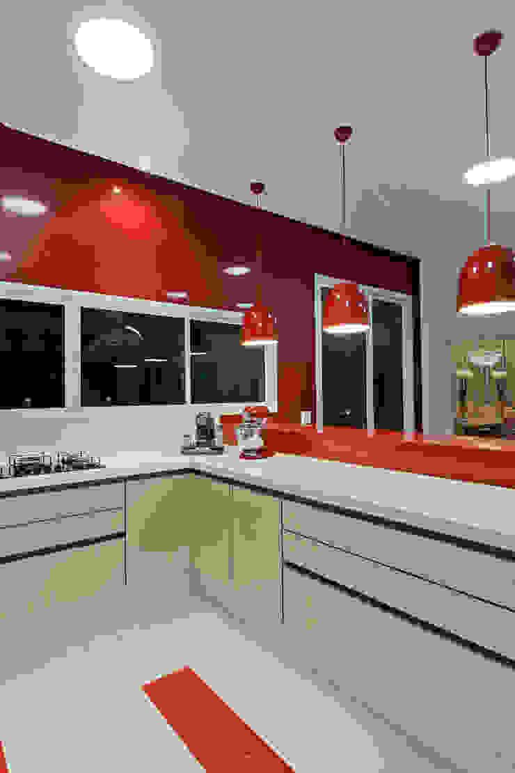 Casa Flora Cozinhas modernas por Arquiteto Aquiles Nícolas Kílaris Moderno