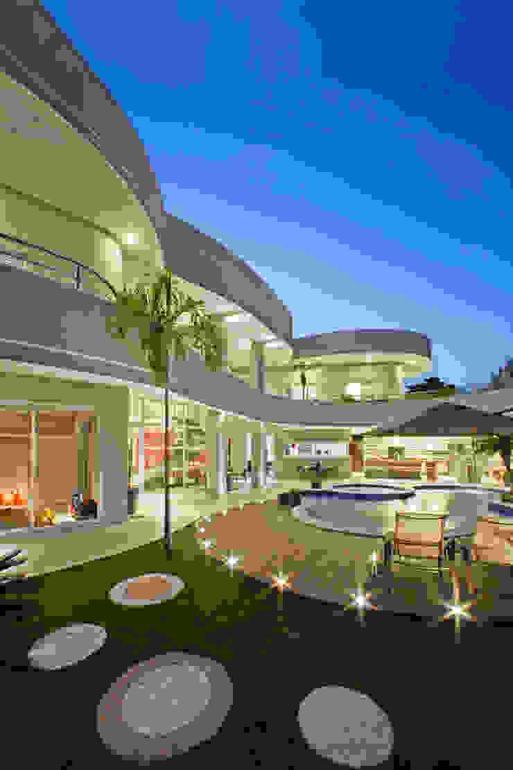 Modern houses by Arquiteto Aquiles Nícolas Kílaris Modern