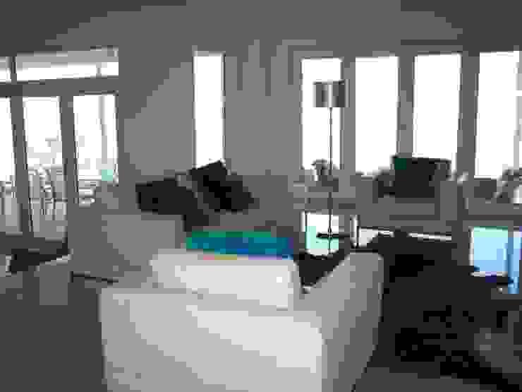Holiday home in Turkey Modern living room by Sarah Ward Associates Modern