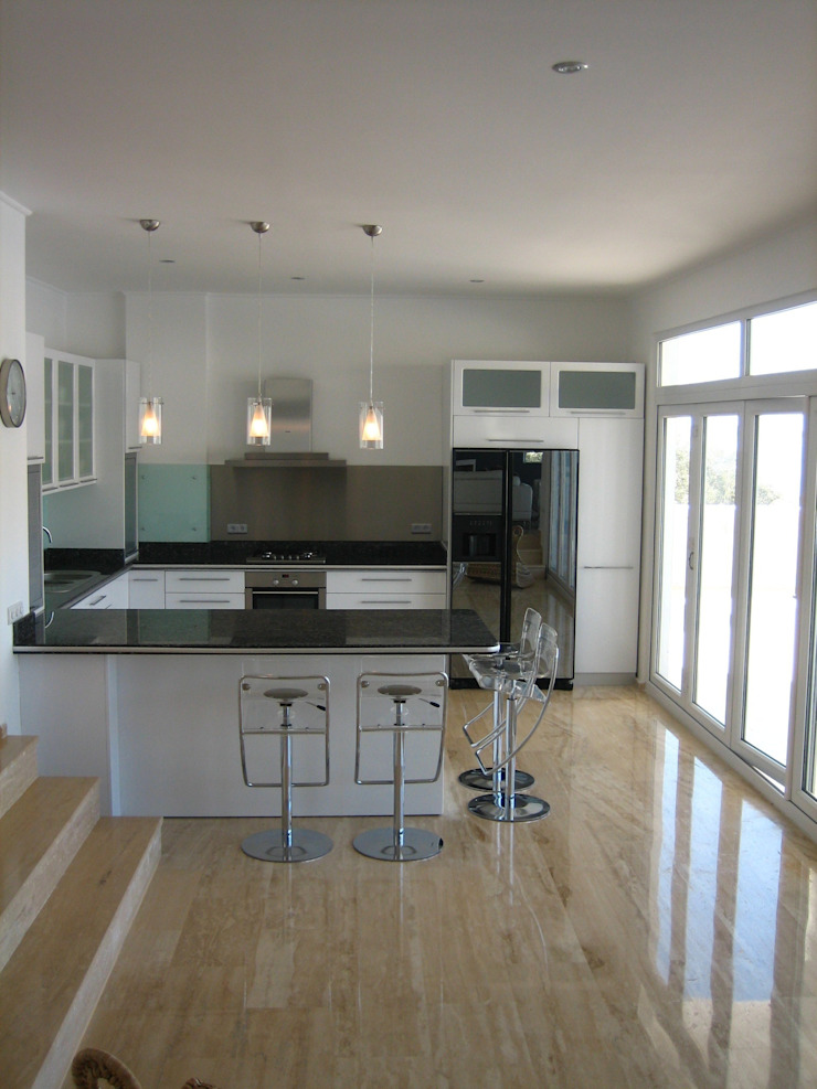 A Holiday Home in Turkey Modern kitchen by Sarah Ward Associates Modern