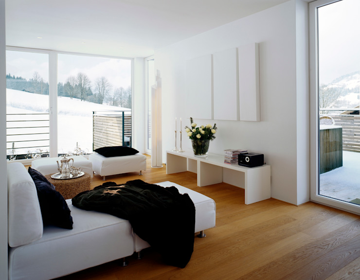 Dormitorios de estilo clásico de Innenarchitektur + Design, Eva Maria von Levetzow Clásico