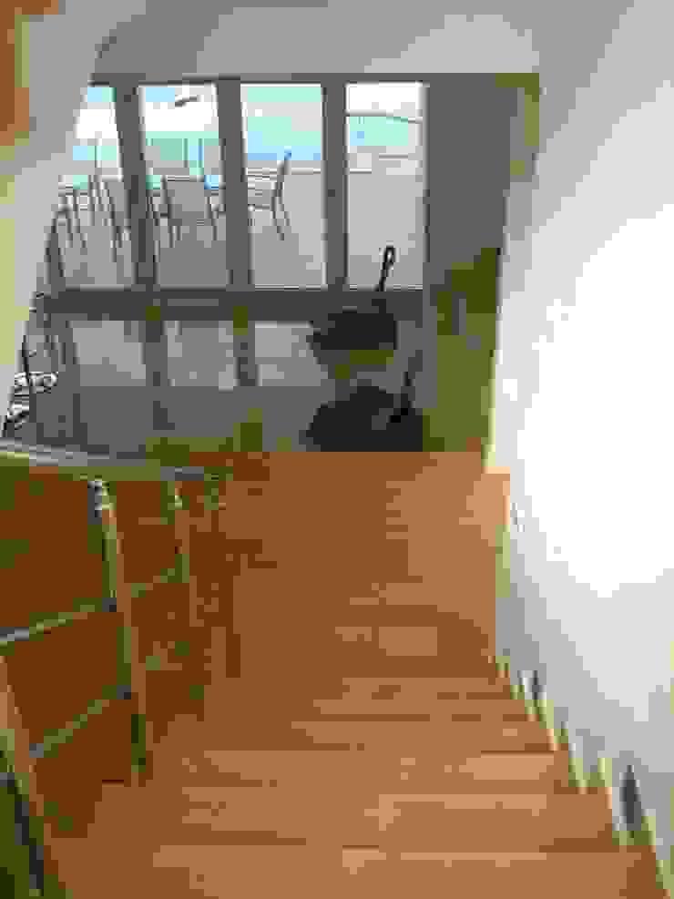 A Holiday Home in Turkey Mediterranean style corridor, hallway and stairs by Sarah Ward Associates Mediterranean