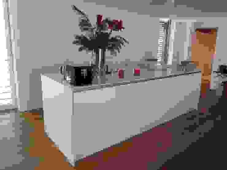 Küchenblock Innenarchitektur + Design, Eva Maria von Levetzow Klassische Küchen