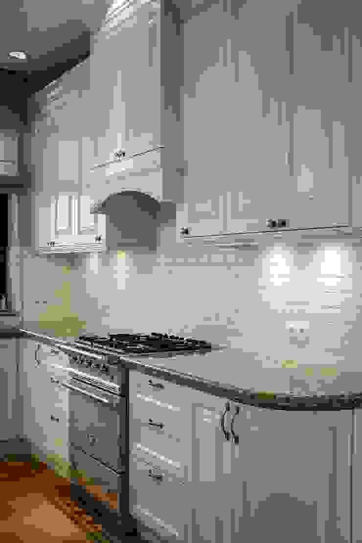 Classic style kitchen by RS Studio Projektowe Roland Stańczyk Classic