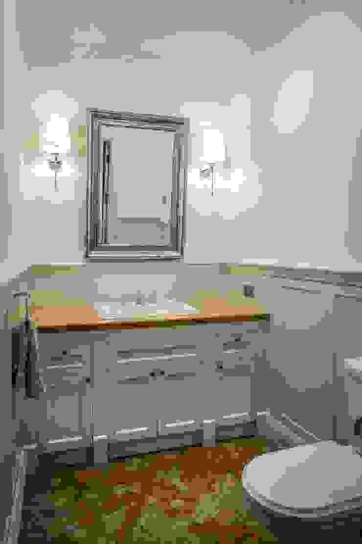 Classic style bathroom by RS Studio Projektowe Roland Stańczyk Classic