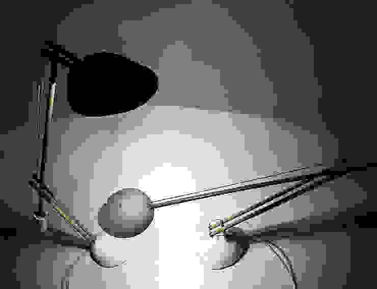 Anonymous lamp Moderne woonkamers van Studio Pascal Smelik Modern