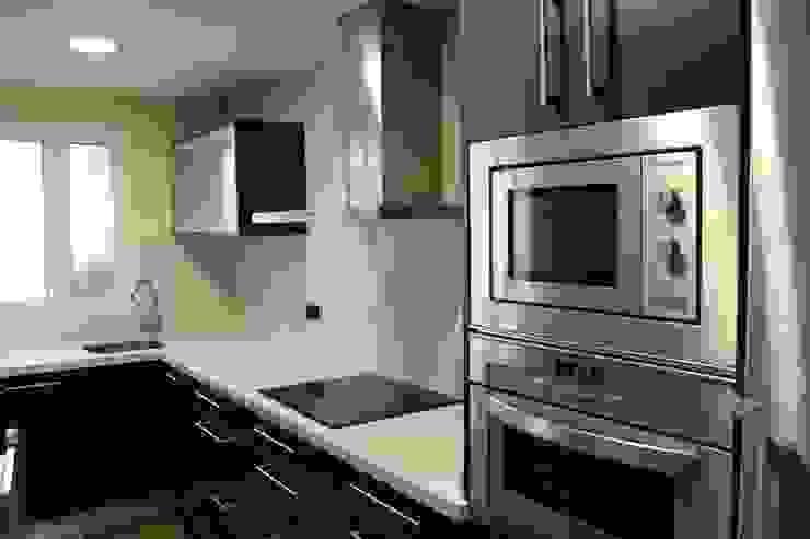 Reforma de cocina 01 de River Cuina Moderno