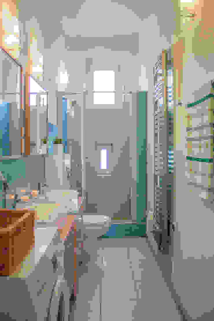 Mieszkanie w Szczecinie po Home staging'u Nowoczesna łazienka od Studio projektowe SUZUME Nowoczesny