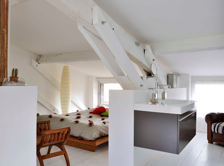 Minimalist bedroom by Loftsdesign Minimalist