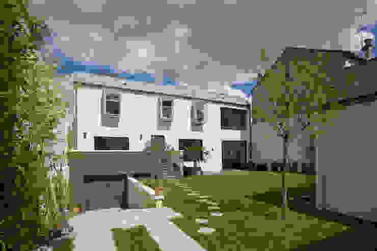 Moderne huizen van agence MGA architecte DPLG Modern