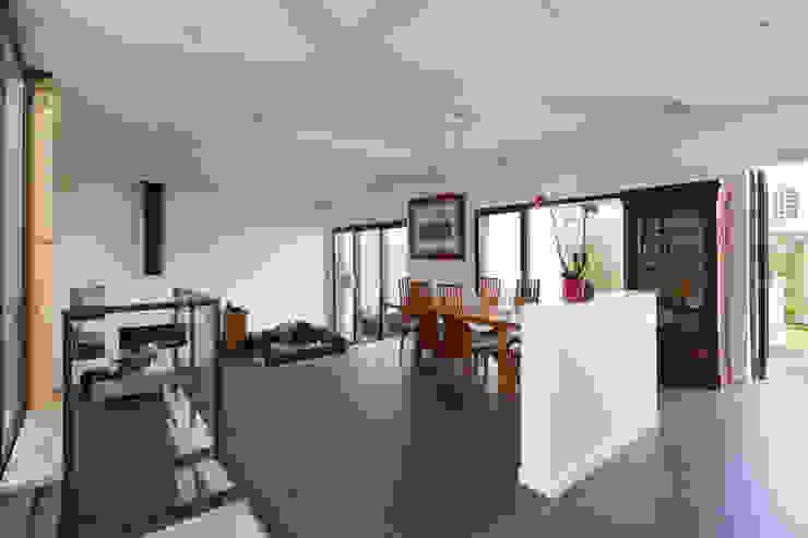 agence MGA architecte DPLG Comedores de estilo minimalista