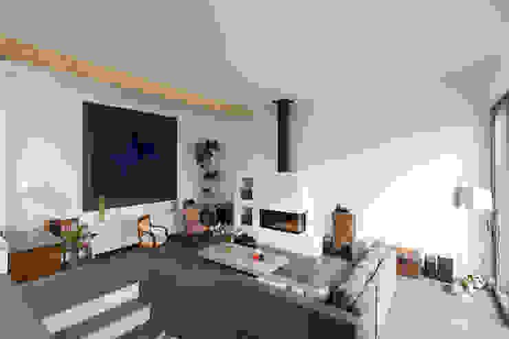 en coeur d'ilôt agence MGA architecte DPLG Salon moderne