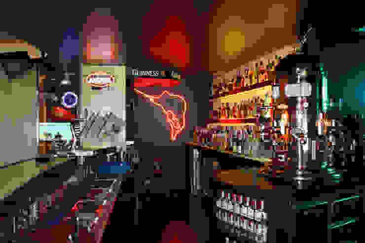 CAFE BAR BERAETXE EN ZARAUTZ (GIPUZKOA) Bares y clubs de estilo clásico de ERRASTI Clásico
