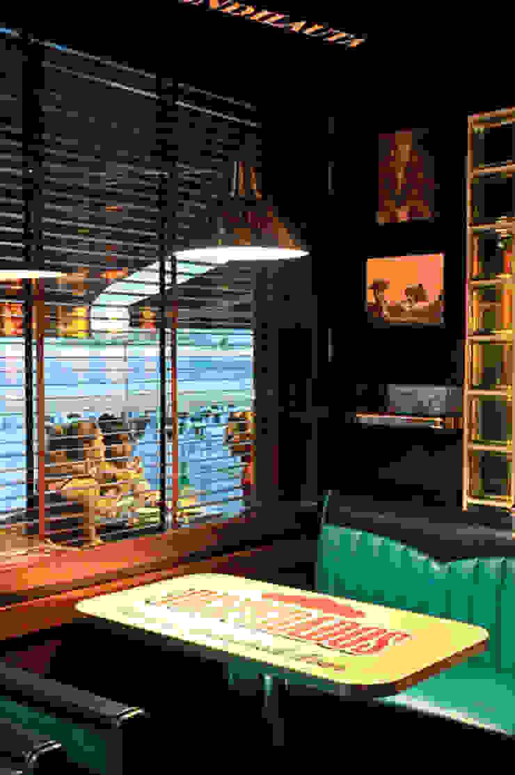Bars & clubs classiques par ERRASTI Classique