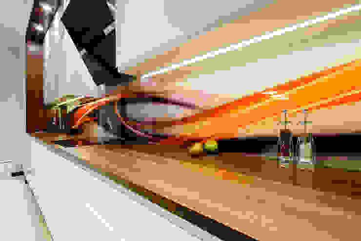 Mieszkanie na Mokotowie Minimalistyczna kuchnia od ZAWICKA-ID Projektowanie wnętrz Minimalistyczny