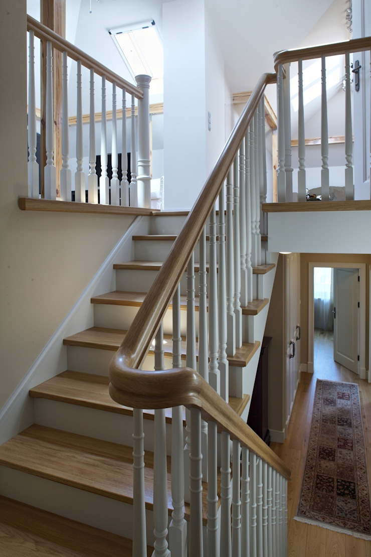 Classic style corridor, hallway and stairs by RS Studio Projektowe Roland Stańczyk Classic