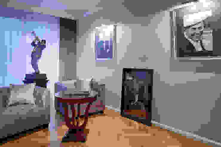Słoneczny Mokotów: styl , w kategorii Pokój multimedialny zaprojektowany przez RS Studio Projektowe Roland Stańczyk,Klasyczny