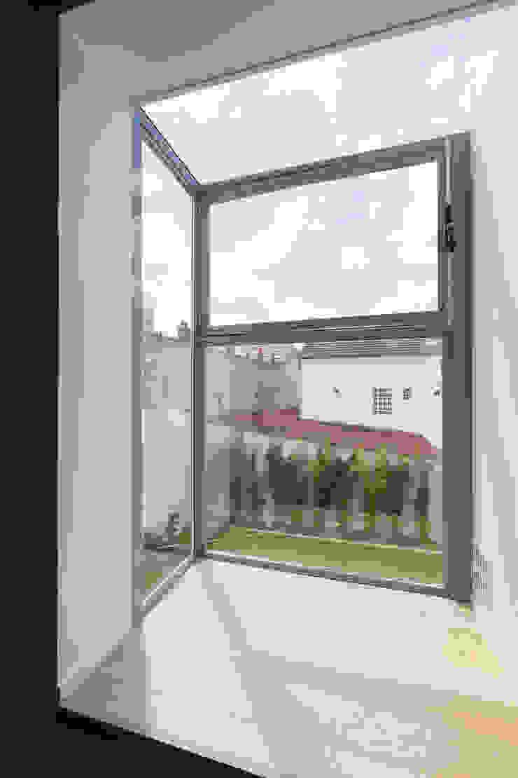 en coeur d'ilôt agence MGA architecte DPLG Fenêtres & Portes modernes