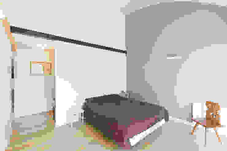 en coeur d'ilôt Chambre minimaliste par agence MGA architecte DPLG Minimaliste