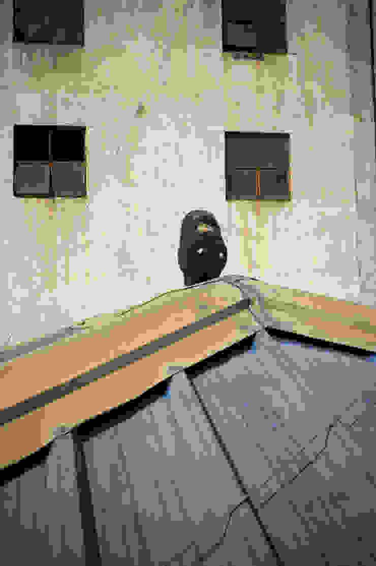 /isolation part1: 2012.10.4: propandas의 촌사람 같은 ,러스틱 (Rustic)
