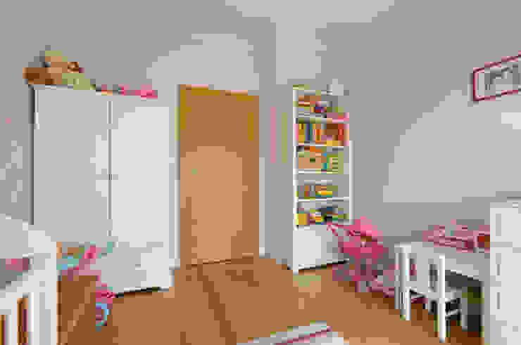 Apartament w Wilanowie Klasyczny pokój dziecięcy od ZAWICKA-ID Projektowanie wnętrz Klasyczny