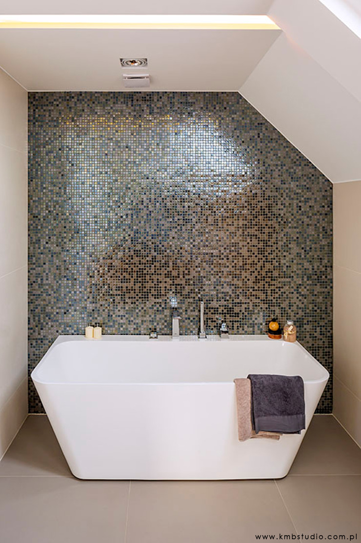 Modern Bathroom by kmb studio Modern