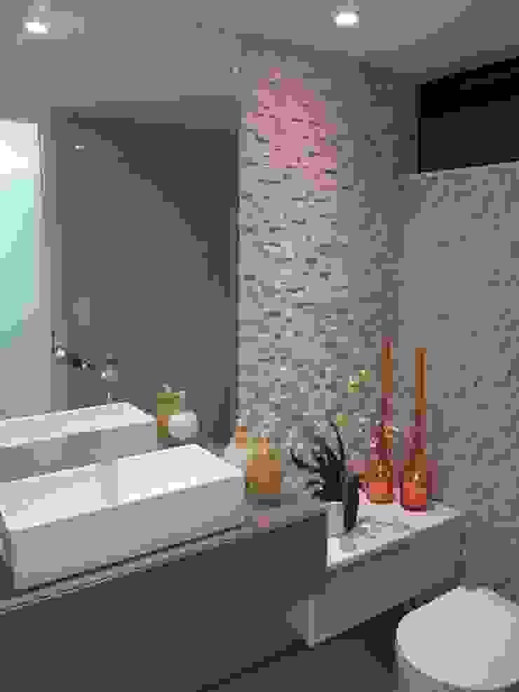 Apartamento de 210m² Banheiros modernos por unacasa arquitetura Moderno