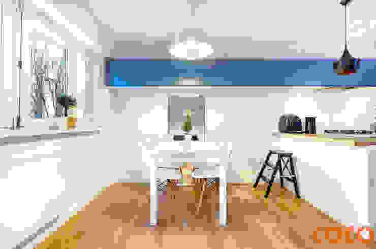COCO Pracownia projektowania wnętrz Comedores de estilo moderno