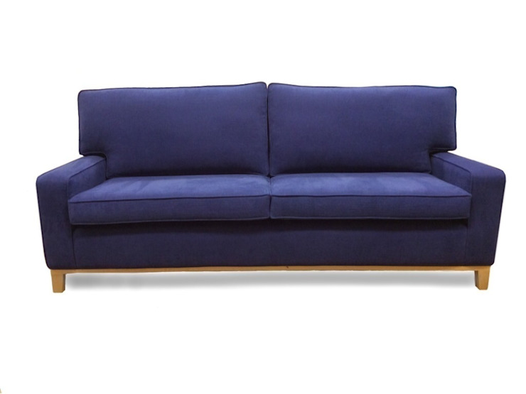 Bespoke sofa: classic  by Chandler Upholstery, Classic