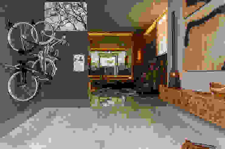 Corredores, halls e escadas modernos por Denise Barretto Arquitetura Moderno