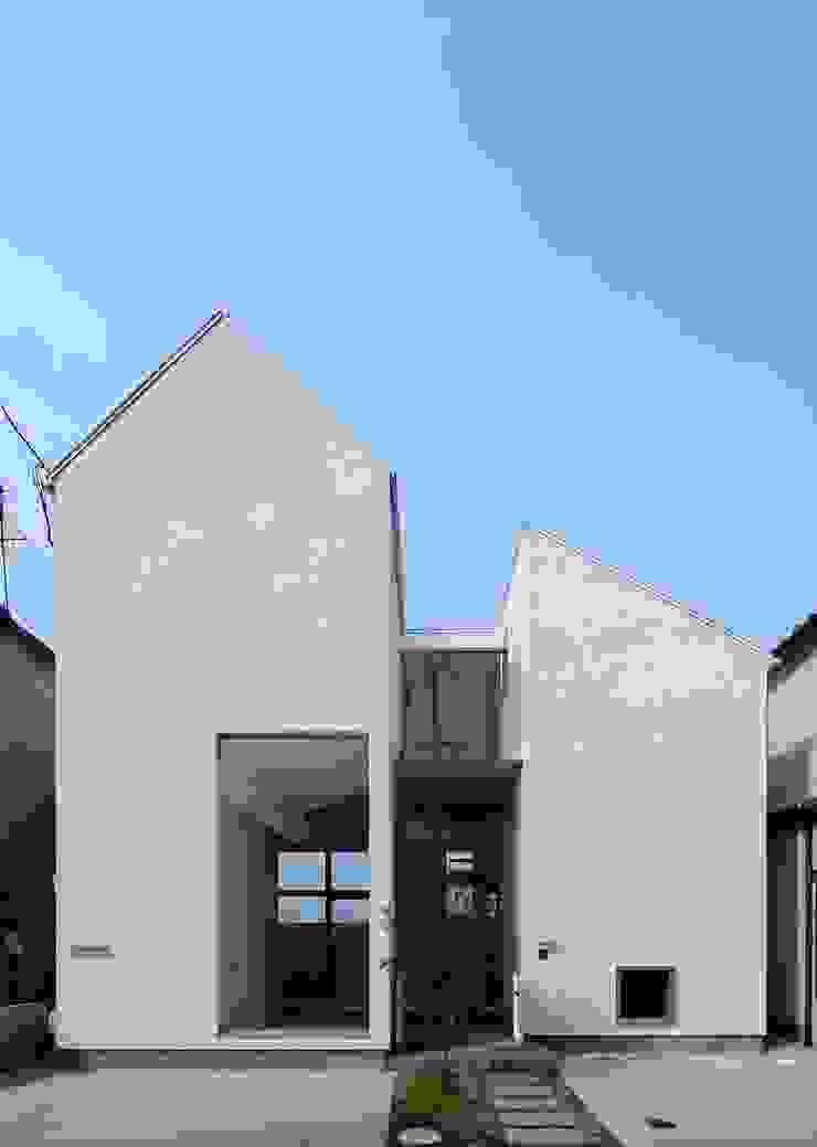 永楽荘の家 - House of Eirakusou モダンな 家 の 林泰介建築研究所 モダン