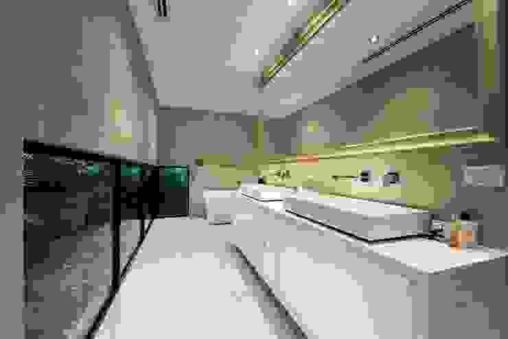 Baños de estilo  por Moda Interiors, Moderno