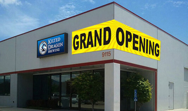 Announce shop or business opening with attractive Grand Opening Banners by Banner Buzz