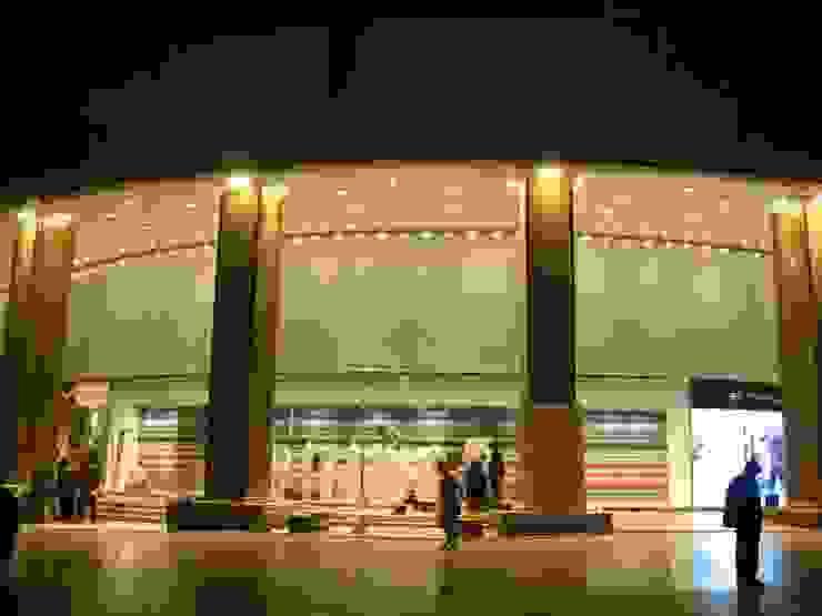 수원 갤러리아 백화점_2006 모던 스타일 쇼핑 센터 by Eon SLD 모던