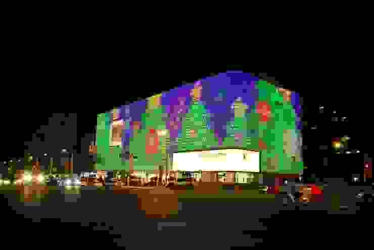 갤러리아 패션관_2004 모던 스타일 쇼핑 센터 by Eon SLD 모던