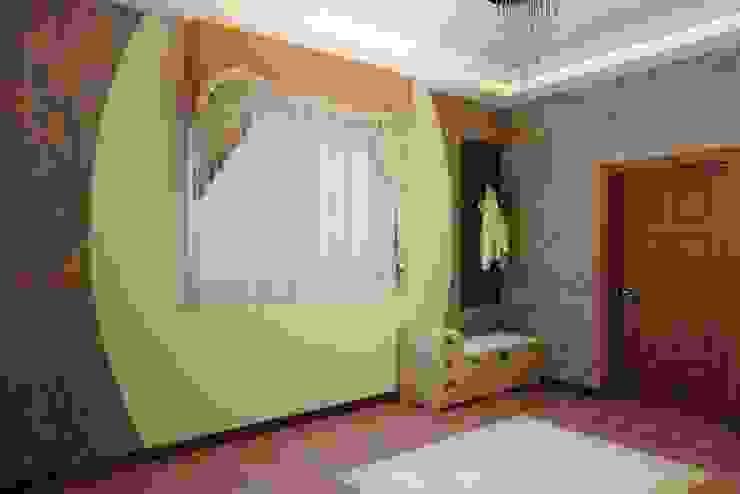 Современная кухня с барной стойкой Коридор, прихожая и лестница в модерн стиле от Цунёв_Дизайн. Студия интерьерных решений. Модерн