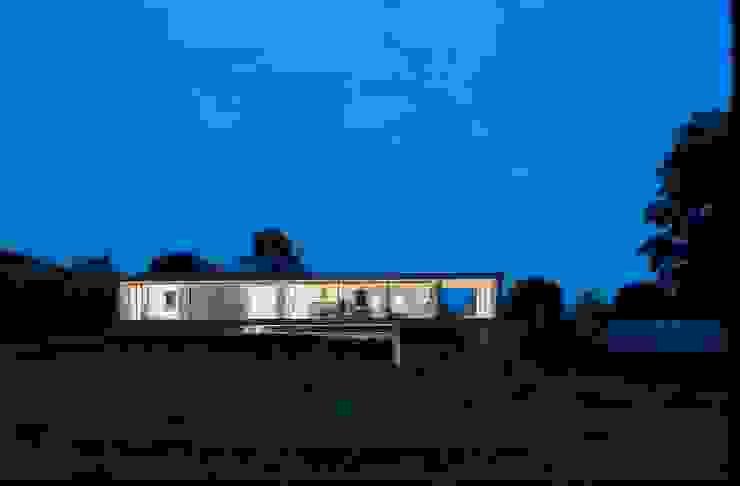 Goodnight... by John Pardey Architects