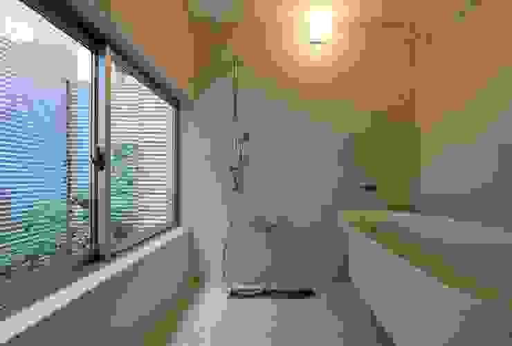 生野区 の長屋 - Row house of Ikunoku オリジナルスタイルの お風呂 の 林泰介建築研究所 オリジナル