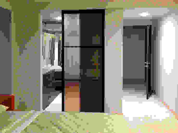 ingresso-cabina armadio Laura Canonico Architetto Camera da letto moderna