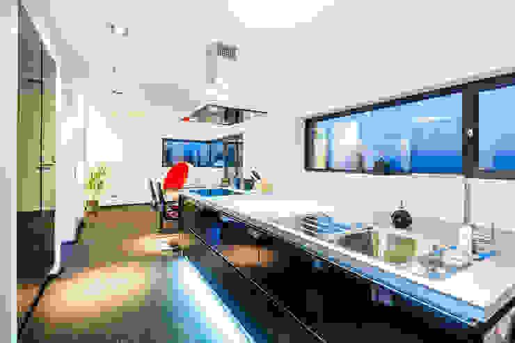 casaio | smart buildings Cocinas de estilo moderno