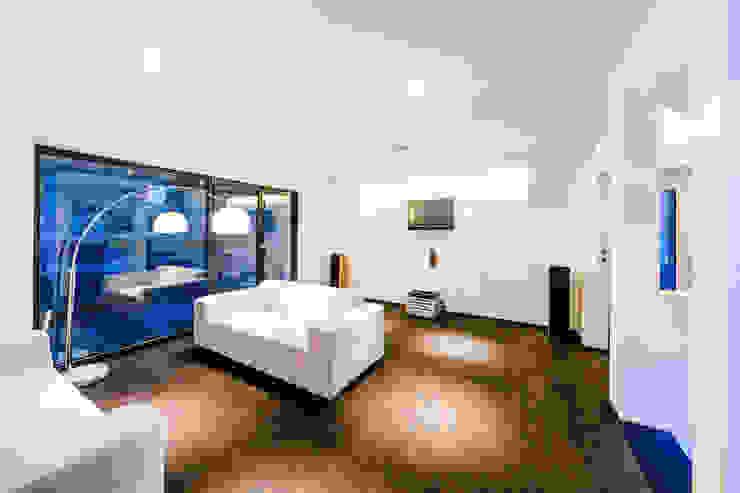 Wohnzimmer Moderner Multimedia-Raum von casaio | smart buildings Modern