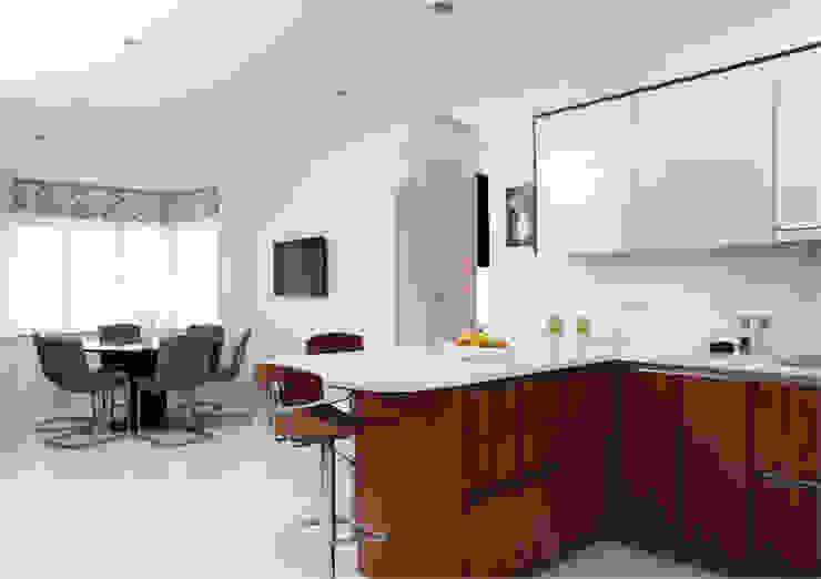 Contemporary kitchen Cozinhas minimalistas por John Ladbury and Company Minimalista