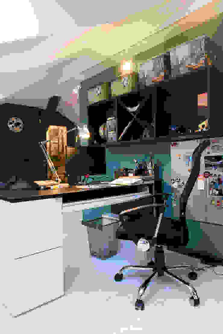 Classic Design – 230m2 Nowoczesny pokój dziecięcy od TiM Grey Interior Design Nowoczesny