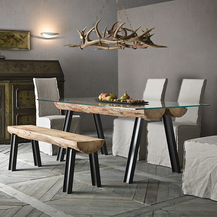 'Aspen' Larch timber in beeswax finish table by Sedit homify ComedorMesas