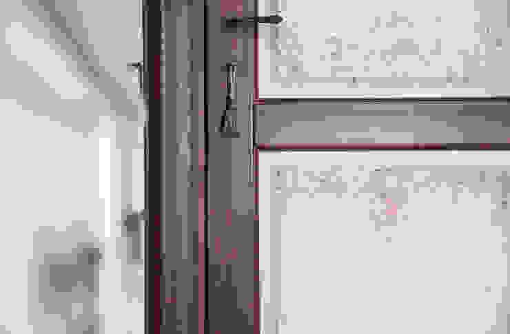 """Дверь фабрики """"NDP"""".:  в . Автор – Мария Остроумова, Кантри"""