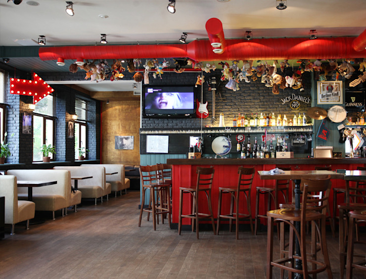"Бар-ресторан ""Куклы-пистолеты"" Бары и клубы в стиле лофт от Space for life Лофт"