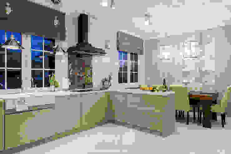 Classic Design - 230m2 Klasyczna kuchnia od TiM Grey Interior Design Klasyczny