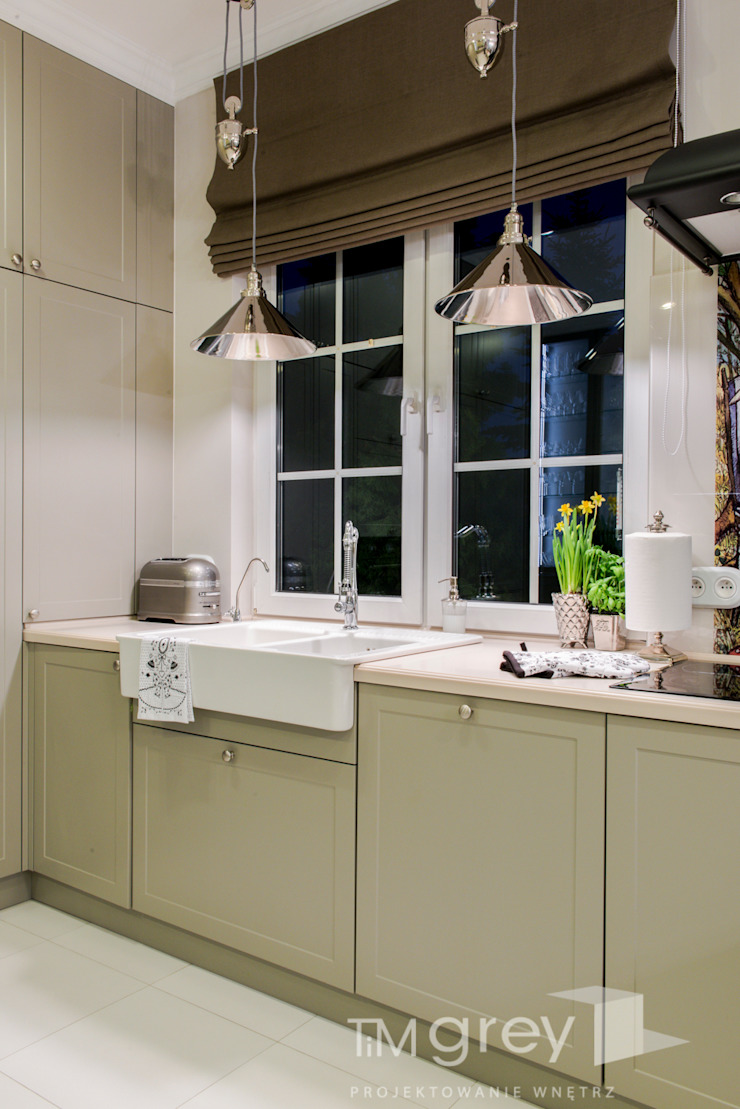 Classic Design – 230m2 Klasyczna kuchnia od TiM Grey Interior Design Klasyczny